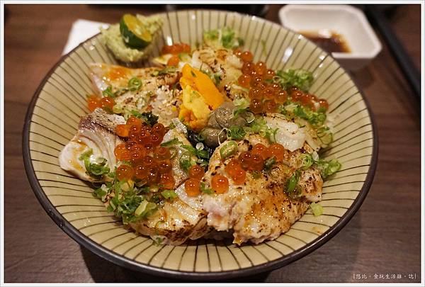 羽笠日本料理-炙燒比目緣側丼-1.JPG