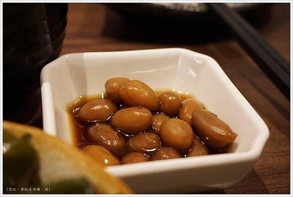 羽笠日本料理-套餐-花生小菜-1.JPG