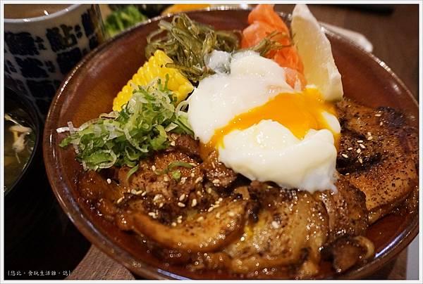 羽笠日本料理-梅花叉燒丼-5.JPG