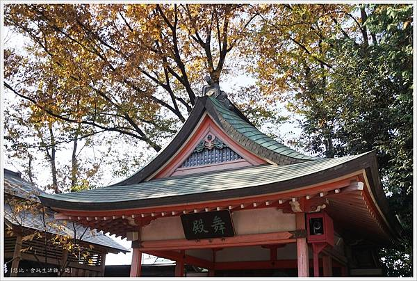 冰川神社-舞殿-1.JPG