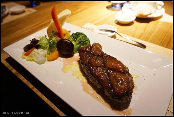 尼尼義大利餐廳-奶油煎櫻桃鴨胸-1.JPG