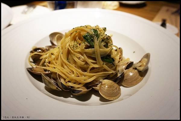 尼尼義大利餐廳-白酒蛤蜊扁麵.JPG