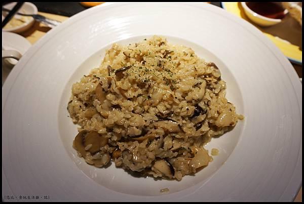 尼尼義大利餐廳-野菇蟹肉燉飯.JPG