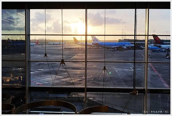 阿姆斯特丹機場-9.jpg