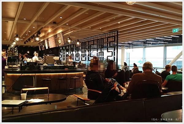 阿姆斯特丹機場-11-星巴克.jpg