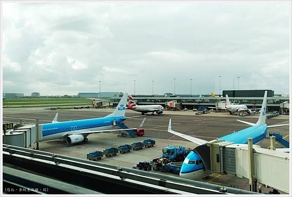 阿姆斯特丹機場-19.jpg