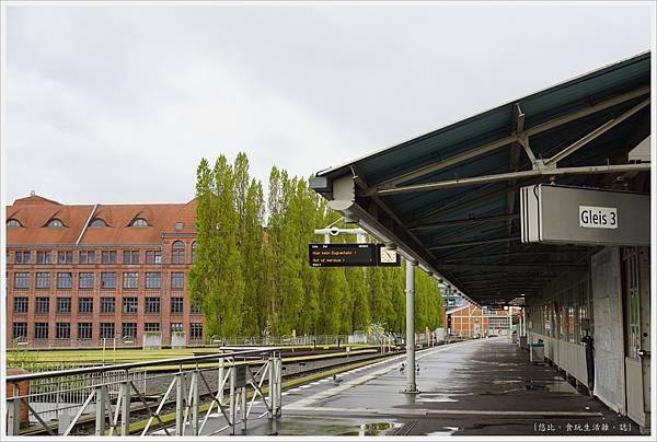 柏林-Warschauer站-2.JPG
