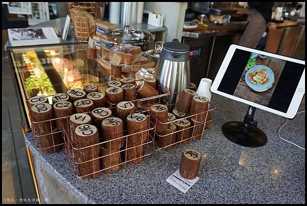 憲賣咖啡熱河店-店內-1.JPG