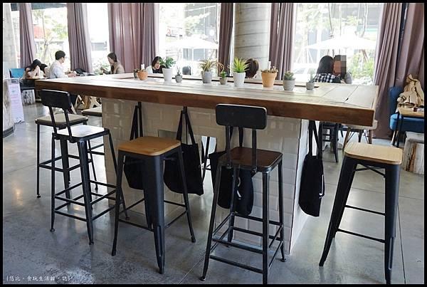 憲賣咖啡熱河店-店內-4.JPG