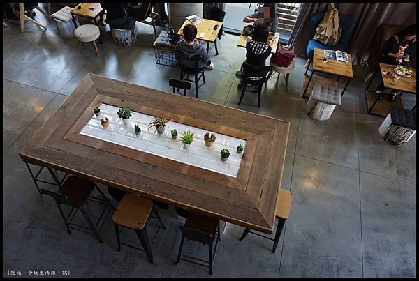 憲賣咖啡熱河店-店內-9.JPG