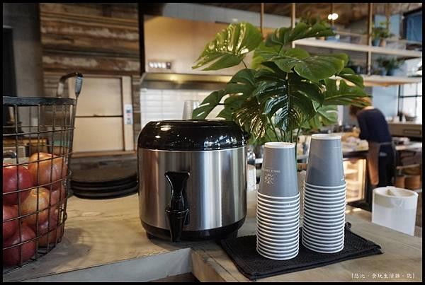 憲賣咖啡熱河店-店內-12.JPG