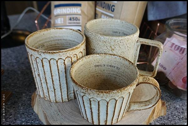 憲賣咖啡熱河店-店內專用杯-1.JPG