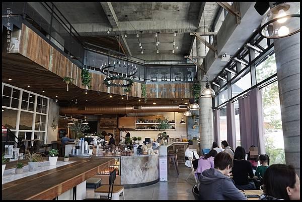 憲賣咖啡熱河店-店內裝潢-5.JPG