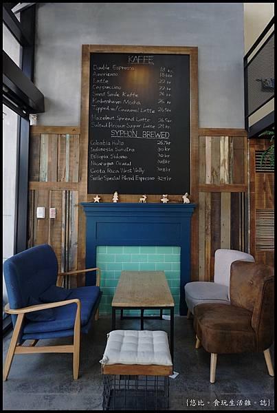 憲賣咖啡熱河店-座位-1.JPG