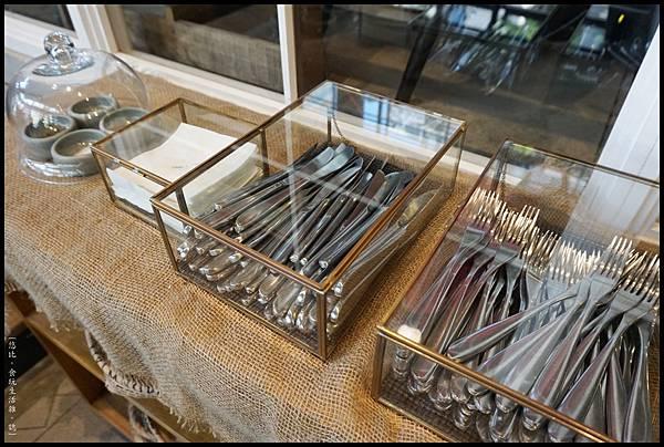 憲賣咖啡熱河店-餐具-1.JPG