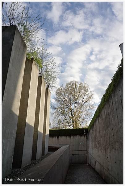 猶太紀念博物館-逃亡者花園-2.JPG