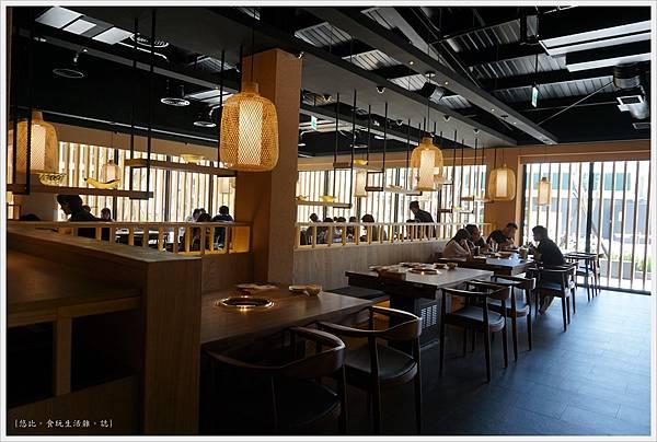 茶六燒肉-16-店內座位.JPG