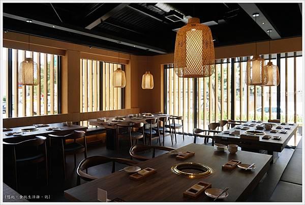 茶六燒肉-19-店內座位.JPG