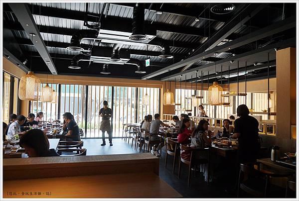 茶六燒肉-22-店內座位.JPG
