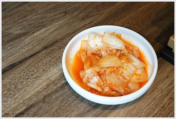 茶六燒肉-34-泡菜.JPG