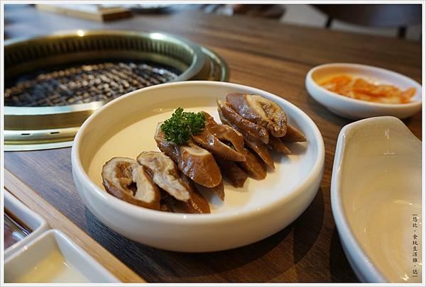茶六燒肉-41-茶六肥腸.JPG
