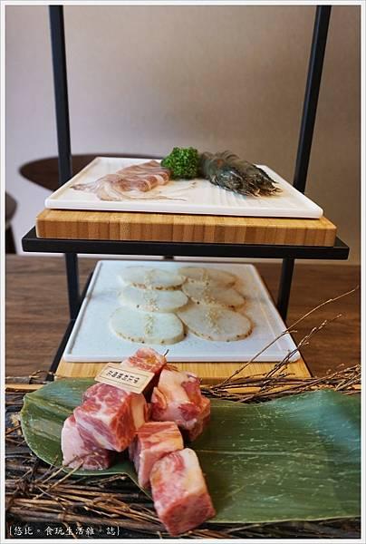 茶六燒肉-58-海鮮拼盤.JPG