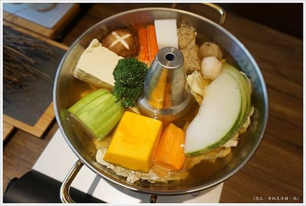 茶六燒肉-59-火鍋.JPG