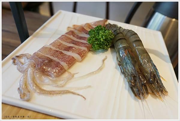 茶六燒肉-61-海鮮拼盤.JPG