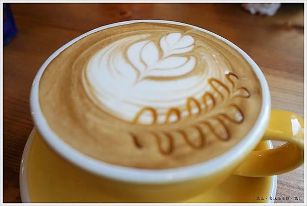 好堅果咖啡-13-焦糖瑪奇朵.JPG
