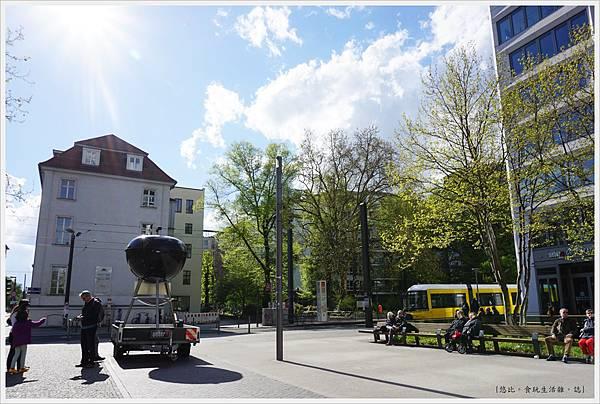 柏林-市區-7-weber行動廣告.JPG