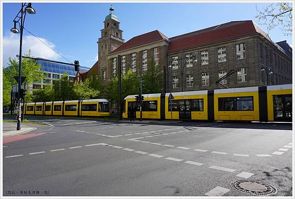 柏林-市區-8-洪堡大學經濟學系.JPG