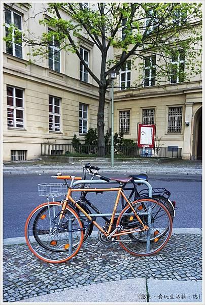 柏林-市區-28-自行車.JPG