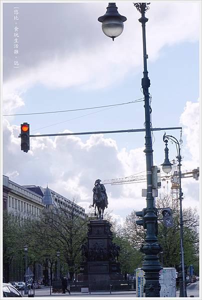 柏林-市區-38-菩提樹下大街.JPG