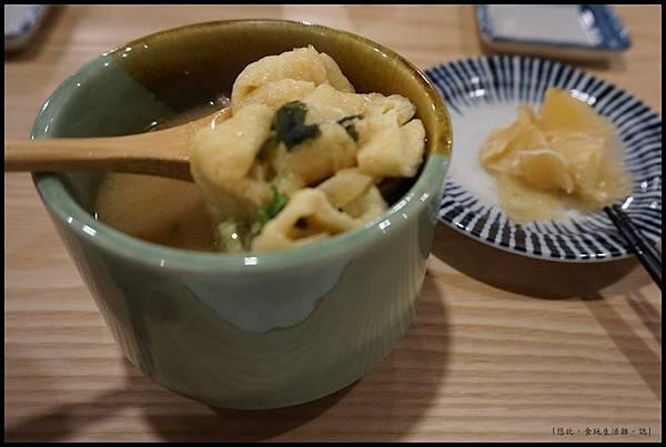 魚鮮會社 竹北-味噌湯.JPG