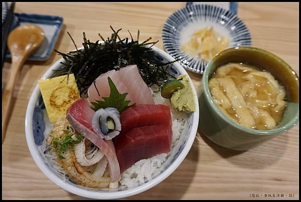 魚鮮會社 竹北-魚鮮丼-1.JPG