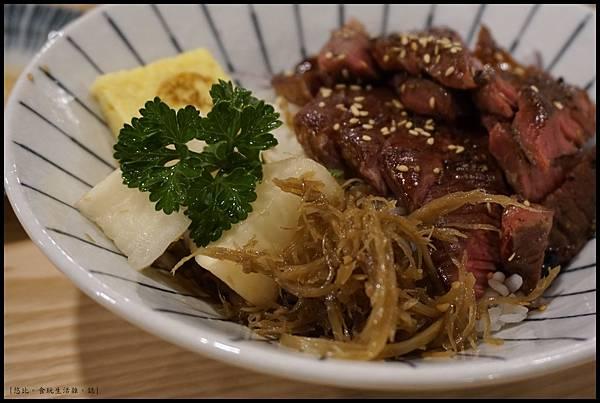 魚鮮會社 竹北-醬烤牛排丼-2.JPG