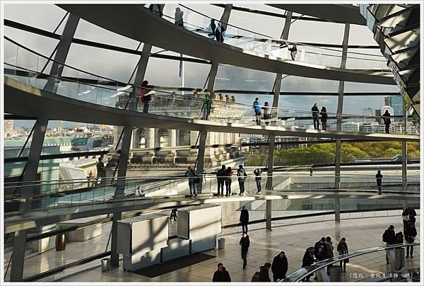 柏林-德國國會大廈-28-光線.JPG