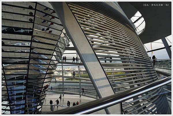 柏林-德國國會大廈-32-扇形遮陽板.JPG