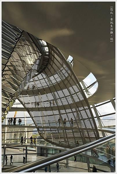 柏林-德國國會大廈-33-扇形遮陽板.JPG