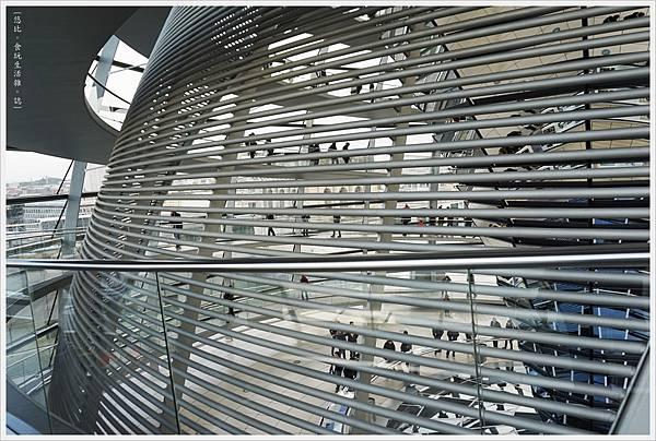 柏林-德國國會大廈-35-扇形遮陽板.JPG
