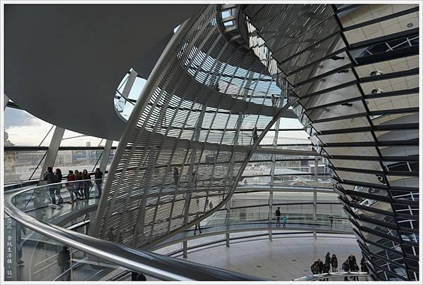 柏林-德國國會大廈-39-扇形遮陽板.JPG
