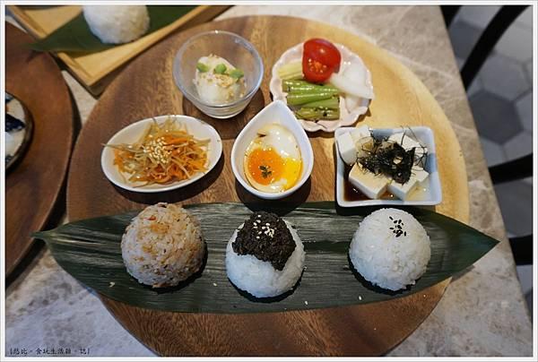 Cafe de RIZ-34-米飯圓圓飯糰餐(山椒小魚海苔醬).JPG