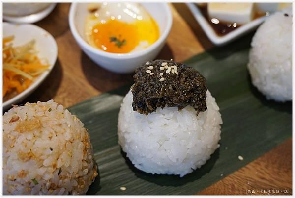 Cafe de RIZ-40-米飯圓圓飯糰餐(山椒小魚海苔醬).JPG