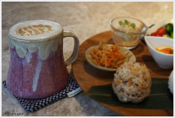 Cafe de RIZ-43-拿鐵.JPG