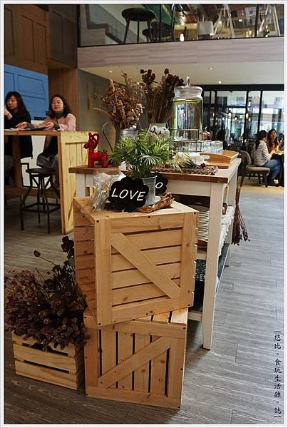 木門咖啡-3-店內.JPG