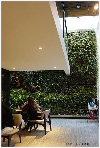 木門咖啡-16-1-植物牆.JPG