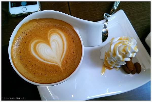 木門咖啡-27-1-海鹽焦糖拿鐵.jpg