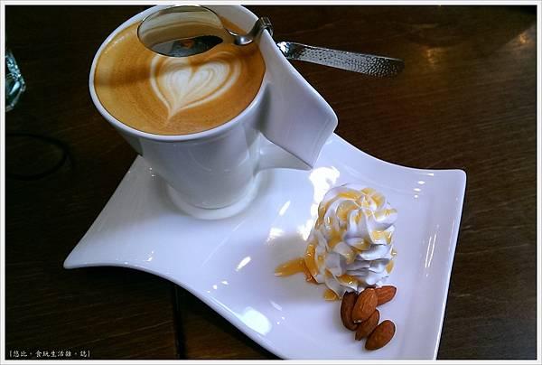 木門咖啡-27-2-海鹽焦糖拿鐵.jpg