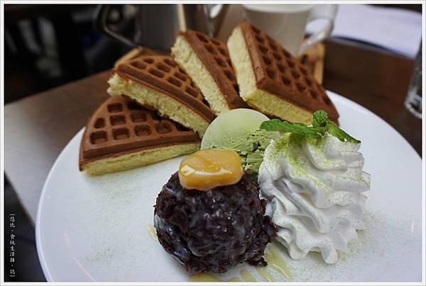 木門咖啡-30-紅豆宇治抹茶冰淇淋鬆餅.JPG