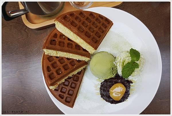 木門咖啡-31-紅豆宇治抹茶冰淇淋鬆餅.JPG